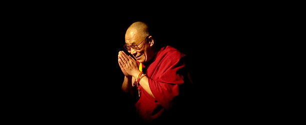 Dalajlama-CiemneTlo